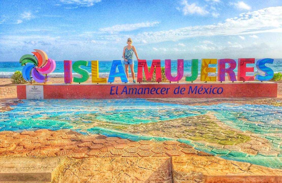 ISLA MUJERES CATAMARAN | Cancun City & Tours