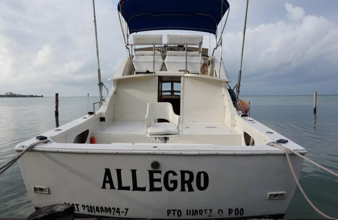 Fishing boat Phoenix 31 | Cancun City & Tours