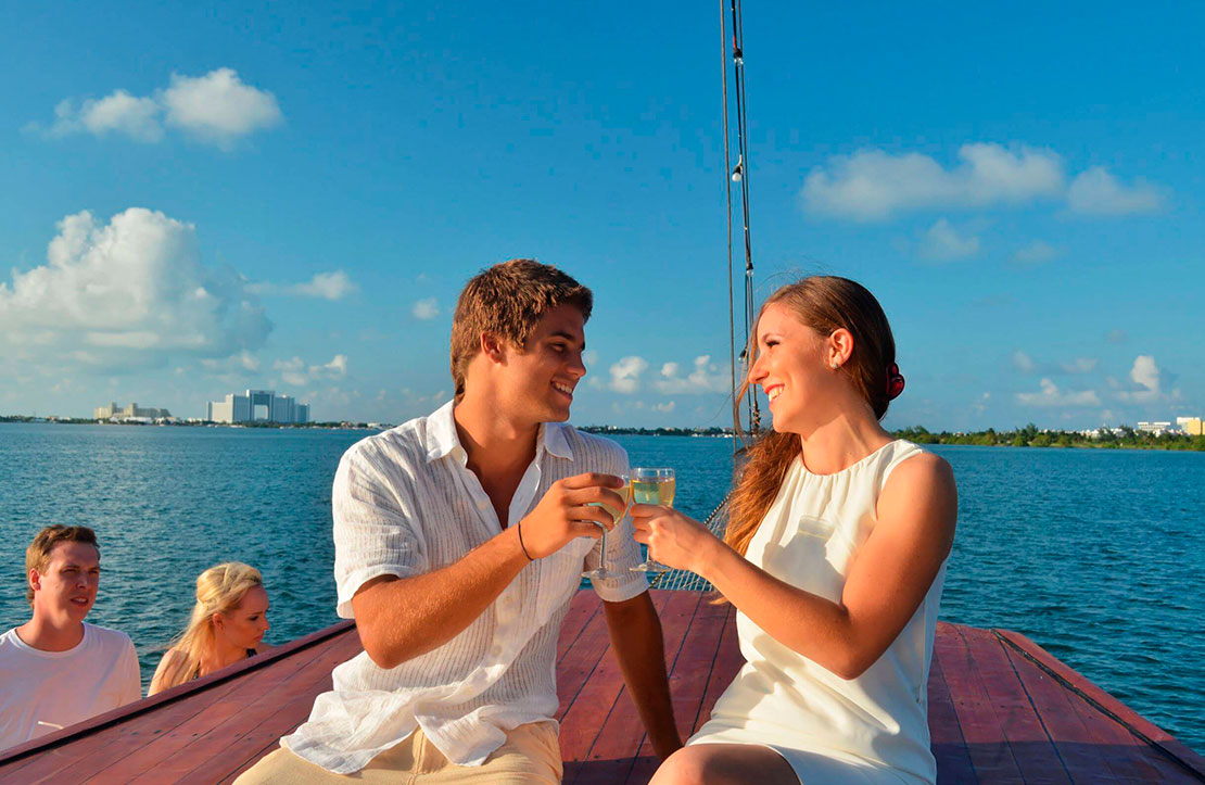 Columbus Pareja | Cancun City & Tours